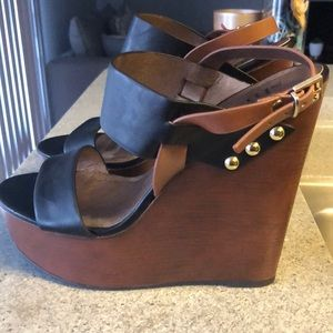 SHI Black wedge heels